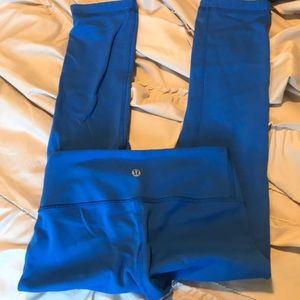Lululemon Capri blue leggings